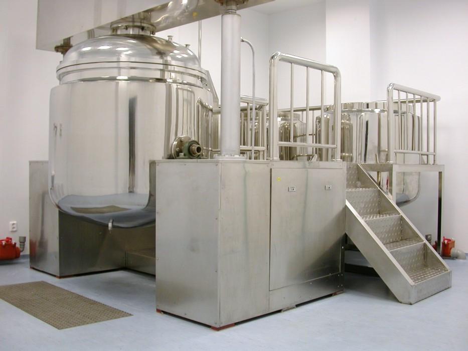 Laboratorní chemikálie, aceton, amoniak, chloroform Olomouc