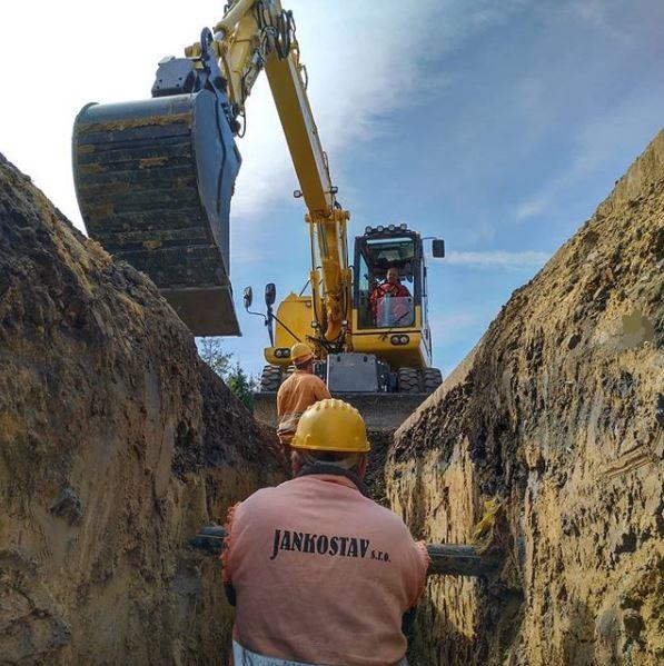 Rekonstrukce kanalizací, výkopové práce, demoliční práce
