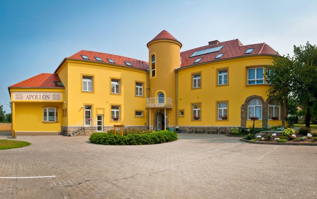 Ubytování ve Valticích, Hotel Apollon