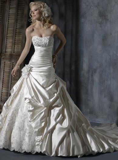 šití svatební šaty na míru Valašské Meziříčí