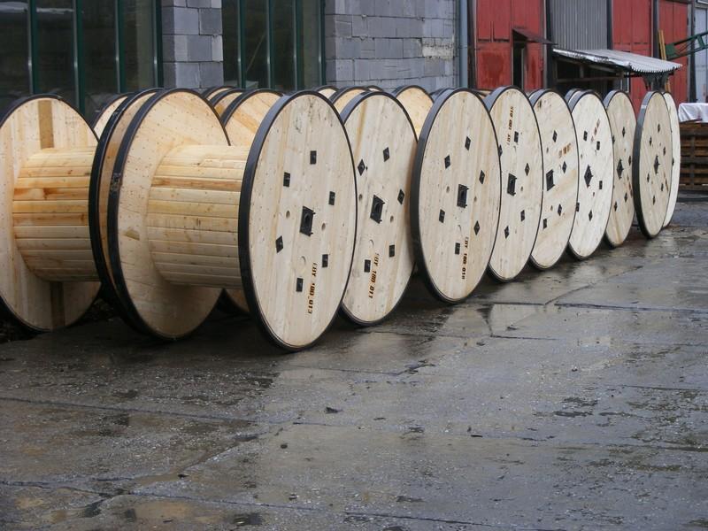 výroba a vývoz dřevěných kabelových bubnů Přerov