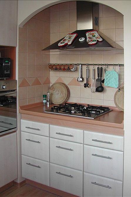 Kuchyně na míru, pracovní desky z umělého kamene Corianu Přerov