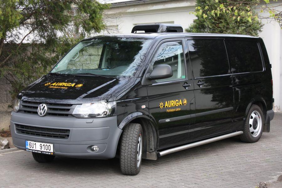 Převozy zesnulých ze zahraničí a zpět Litoměřice - mezinárodní převozy autem i letecky