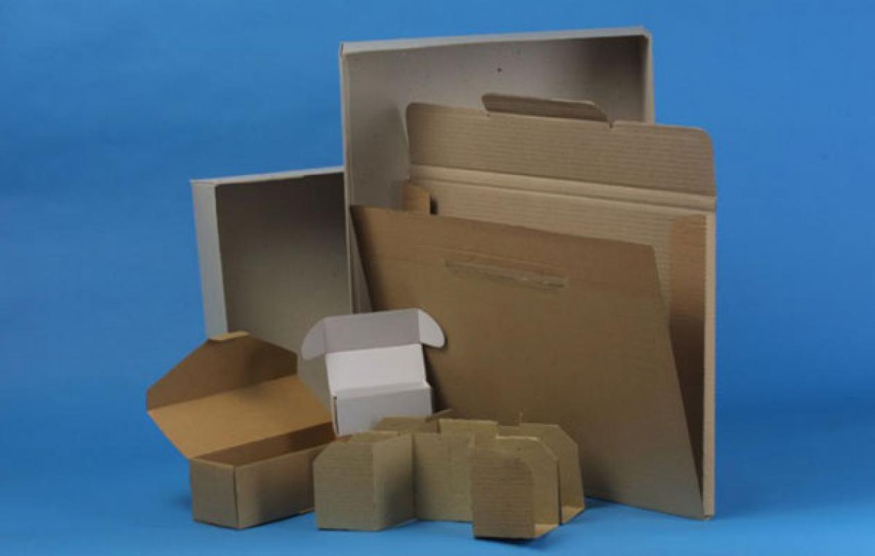 Strojní, skládačkové, bednové krabice z lepenky, dárkové balení