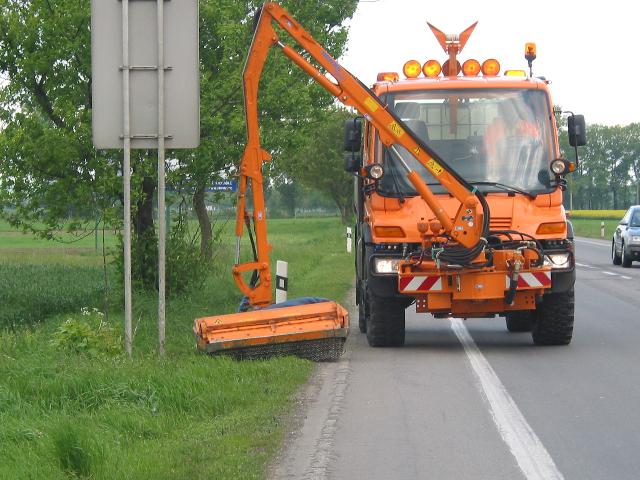 Letní údržba zeleně, komunikací, sečení trávy zajistí Správa údržba silnic