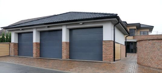 Sekční garážová vrata na elektrický pohon
