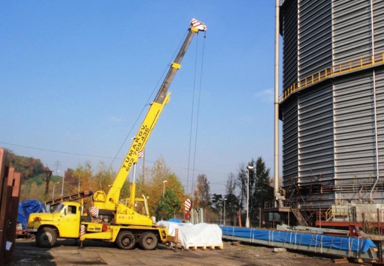 Autojeřáby a montážní plošiny s obsluhou - pronájem Ostrava