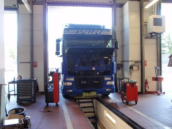autorizovaný dealer nákladních automobilů