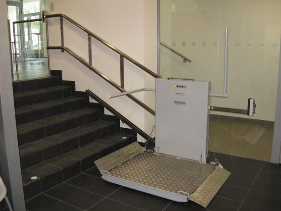 šikmá schodišťová plošina typu IPM 300