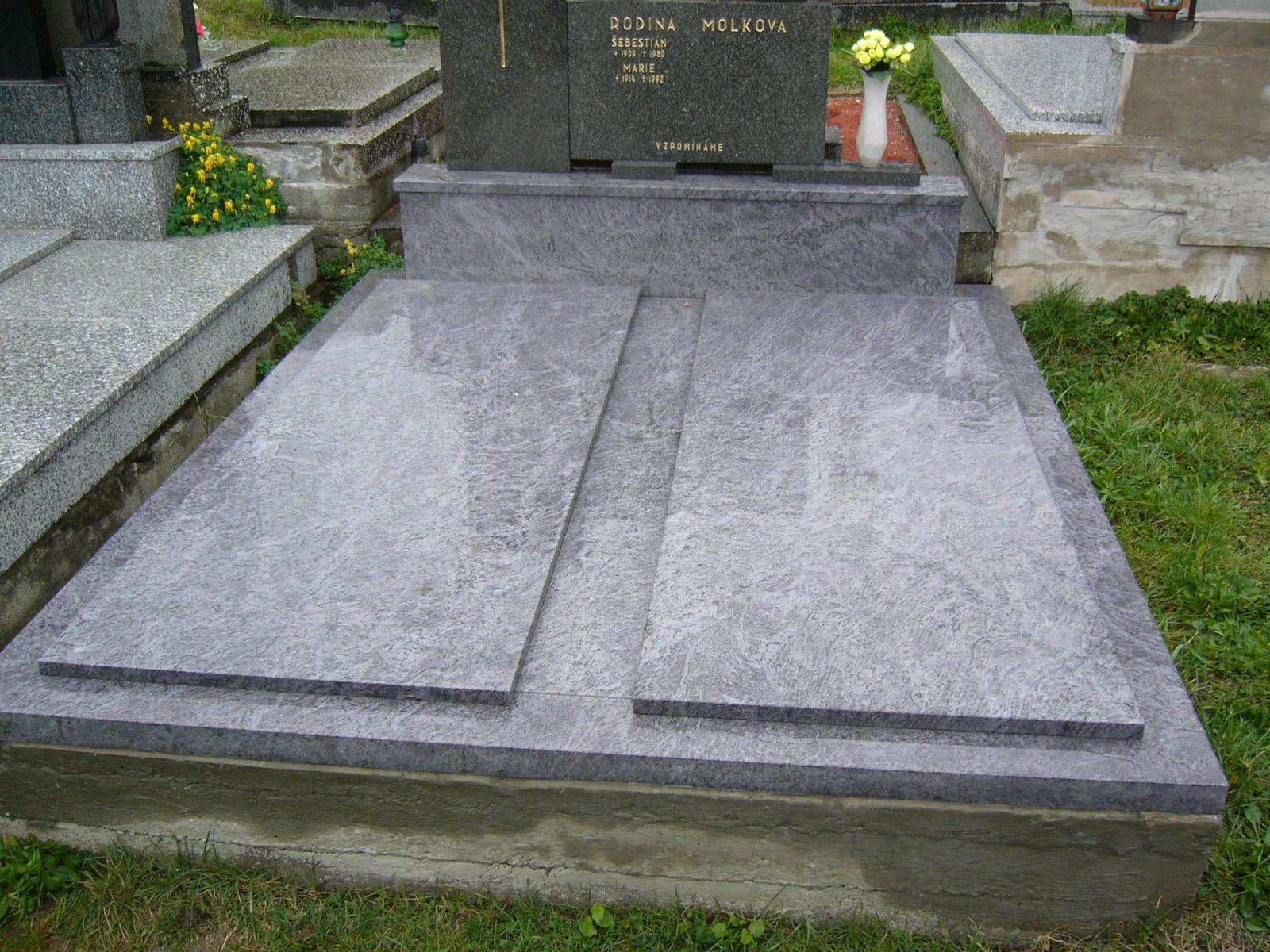 Oprava, rekonstrukce pomníků, náhrobků Zlín, Kroměříž