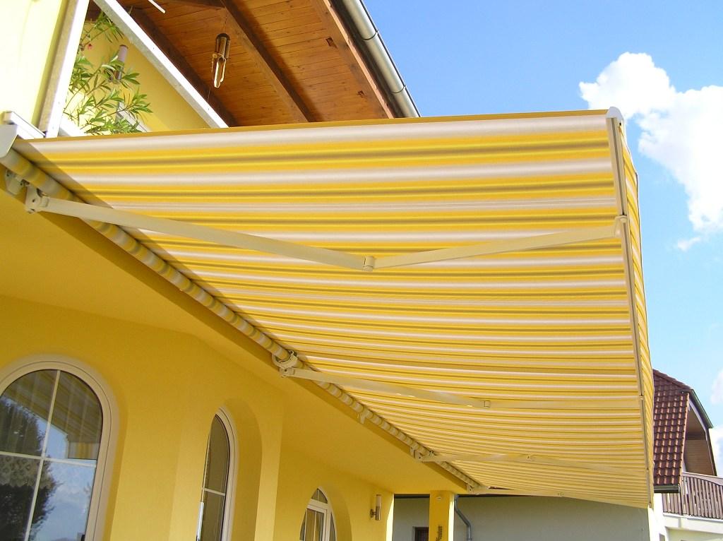 Prodej a montáž garážových vrat a markýz v Českých Budějovicích se specializací na vrata TRIDO.