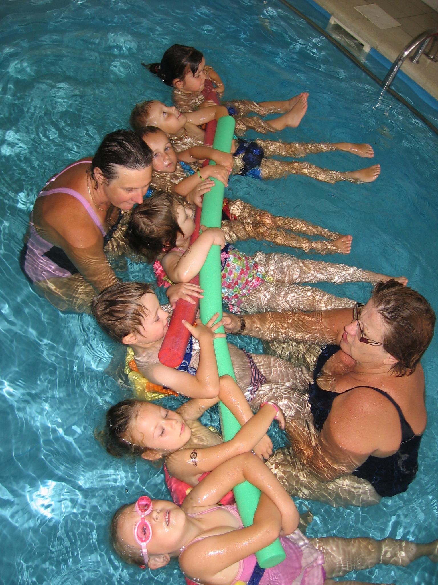 Letní, prázdninová plavecká školka pro kojence, předškoláky