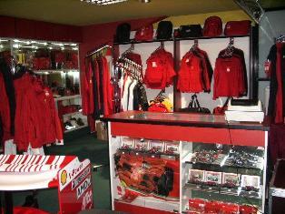 Ferrari móda eshop - značkové produkty Formule 1 a originální Ferrari oblečení