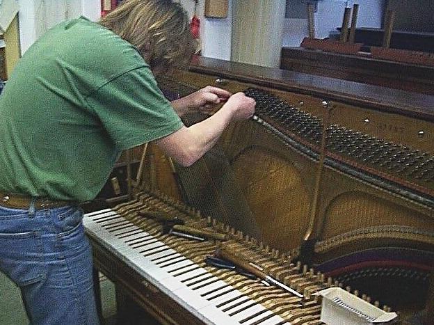 Ladění pian, opravy, renovace hudebních nástrojů, Praha