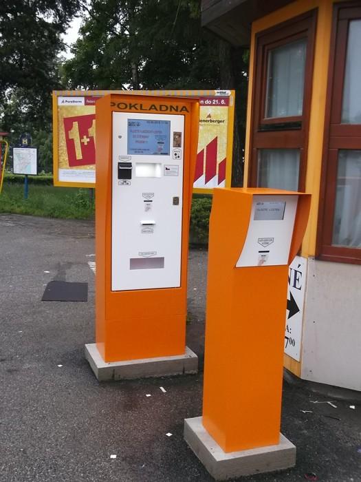 Měnička peněz, automatická pokladna, platební terminál Kroměříž