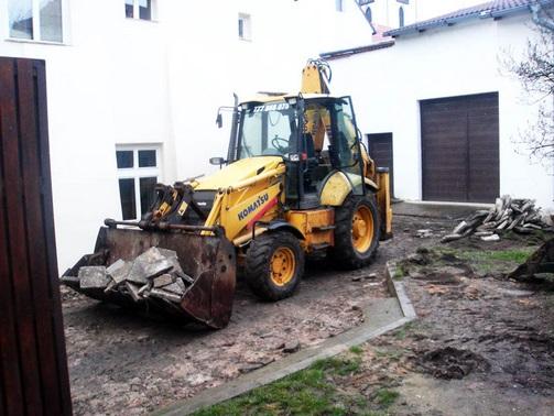 Zemní práce, bagry, Praha, Litoměřice