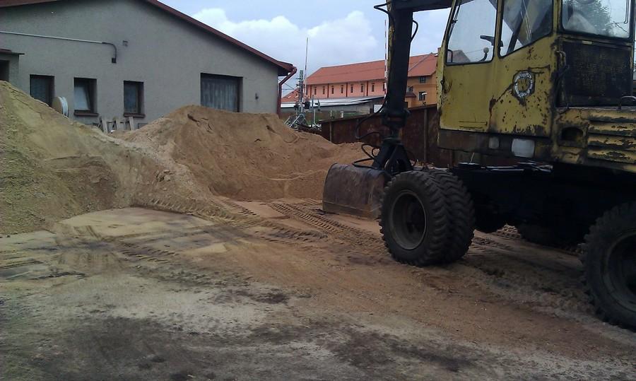 Říční a písek kopaný
