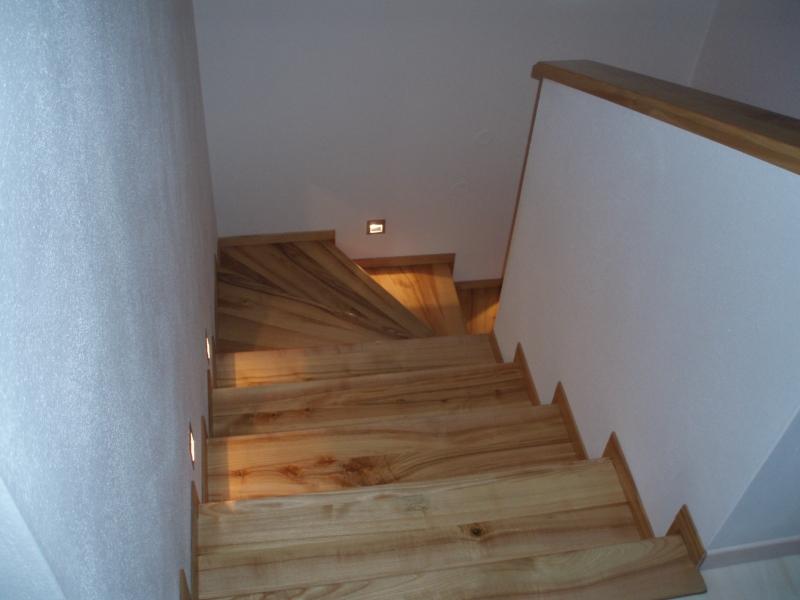 Výroba, montáž zábradlí dřevěné i v kombinací s nerezí Zlín, Hradiště