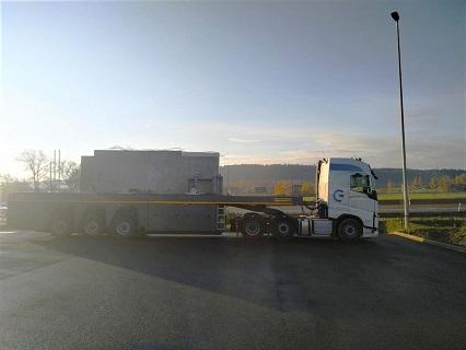 Mezinárodní kamionová přeprava nadrozměrných nákladů - kvalitní vozy