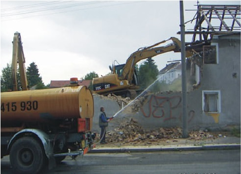 Práce s požární a kropící cisternou 8 m3: