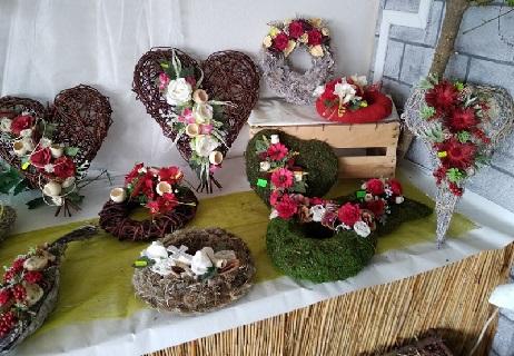 podzimní dekorace do interiéru i květinové vazby na hřbitov