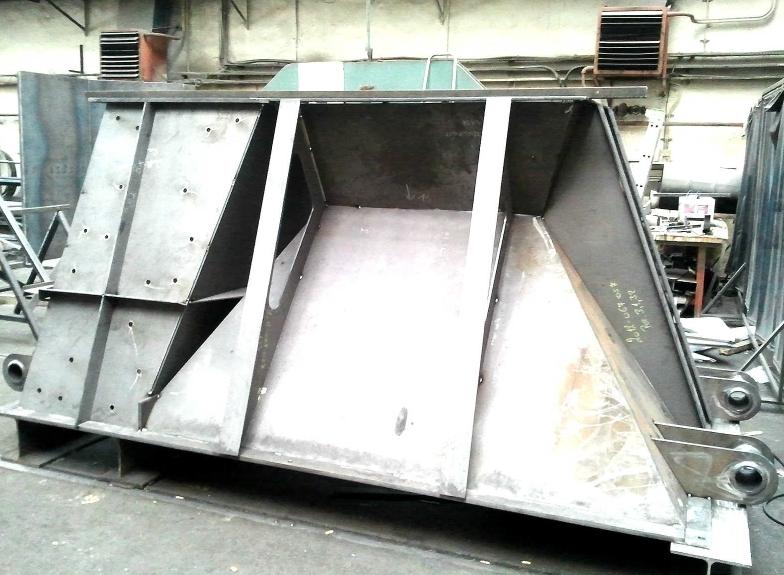 výroba kovového kontejneru