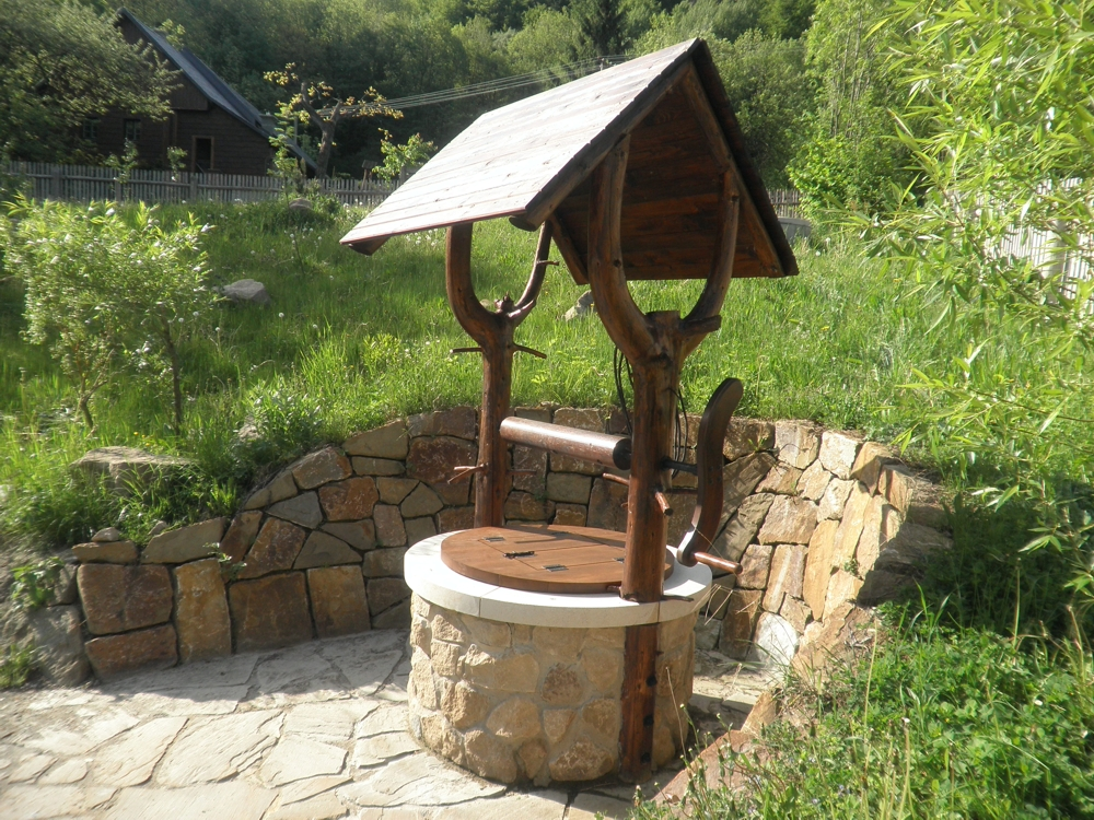 Kvalitní voda ve studni odborným čištěním a renovací studny