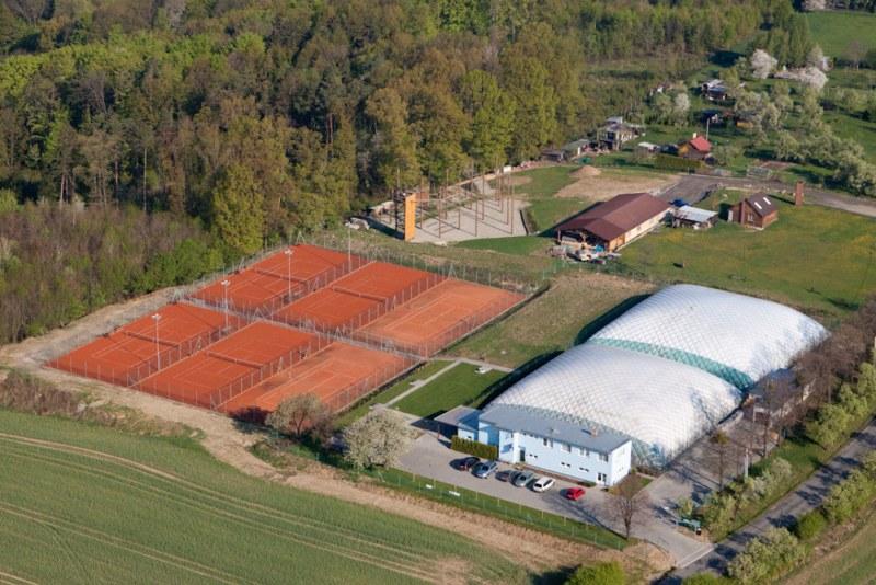 Předprodej permanentek, termínů na zimní sezónu, tenis Zlín
