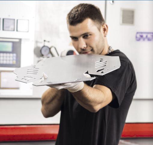 Opracování kovů na CNC strojích - kovovýroba, zpracování plechu
