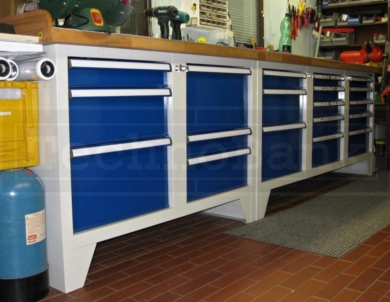 Dílenské skříně a pracovní stoly zefektivní vaši výrobu