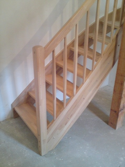 Dřevěné schodiště na míru Jílové u Prahy