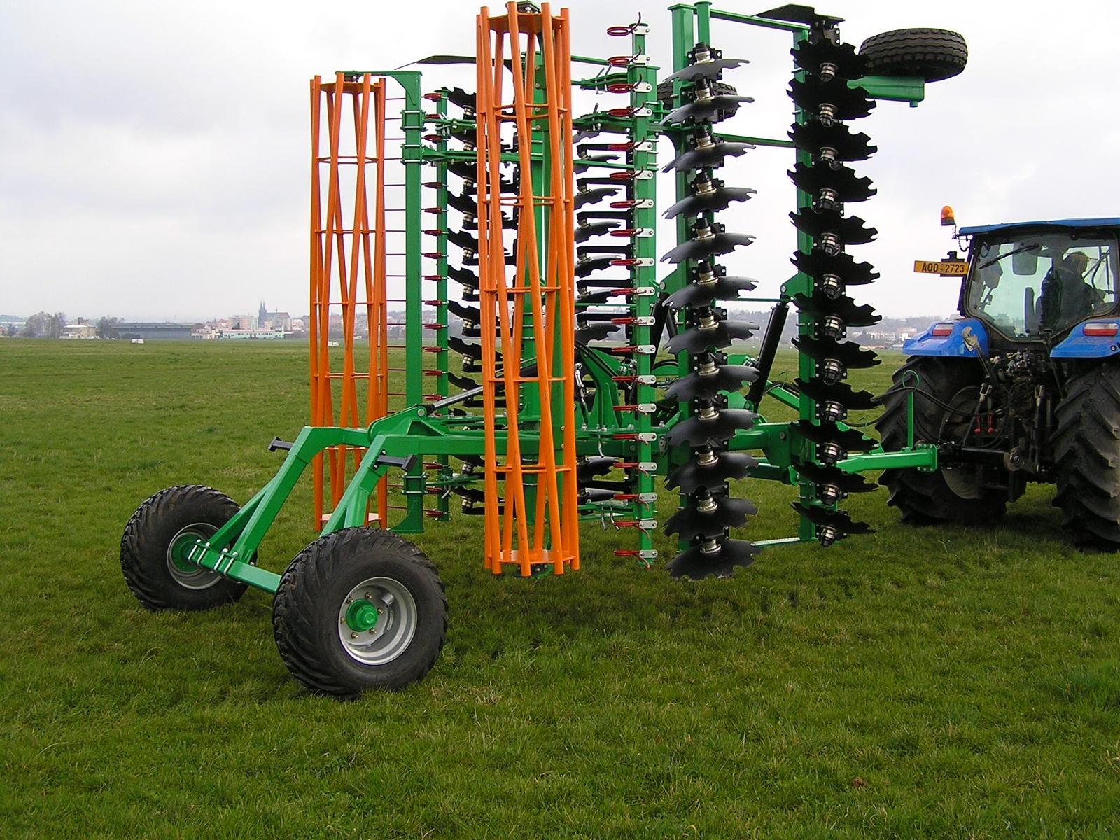 Zemědělské stroje pro zemědělce, vinaře  a zahrádkáře Židlochovice