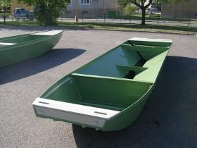 Plastové bedny, nádrže, rybářské lodě, výrobky pro rybáře