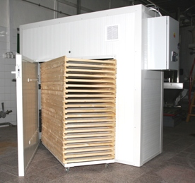 Sušení dřeva v teplovzdušné sušárně