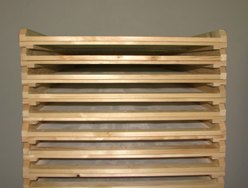 dřevo usušené v průmyslové sušárně
