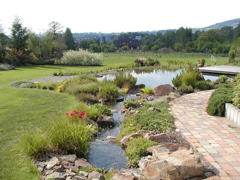 Zahradní koupací jezírko - přírodní prvek Vaší zahrady