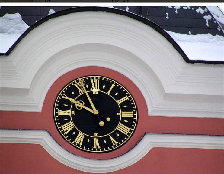 Věžní hodiny čtvrťové, půlové i klasické jicí stroje (Praha)