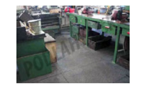 Průmyslové podlahy, rozebíratelný podlahový systém, zátěžové podlahové panely - oprava, prodej a montáž