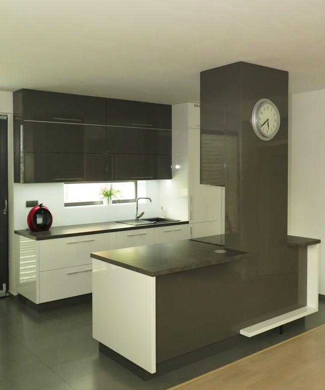 Nová kuchyňská dvířka, montáž kuchyně na míru, návrhy kuchyní Přerov