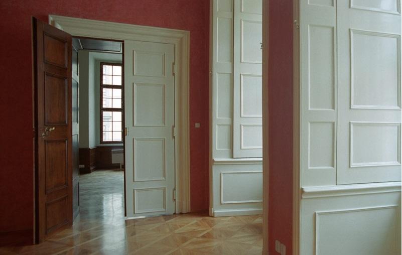 Restaurování dřevěných  dveří Praha