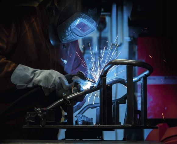 svařování, ohraňování, CNC řezání Brno