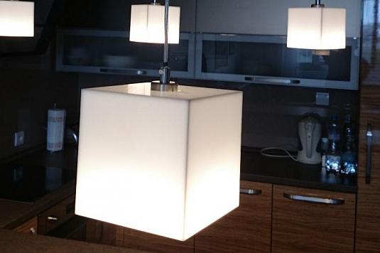 Atypická designová LED světla, osvětlení interiérů Olomouc, Praha