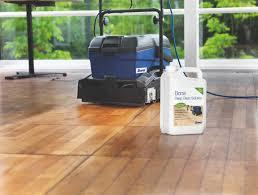 Hloubkové čištění podlahových krytin
