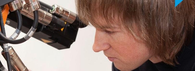 Robotické svařovací buňky se svařovací technikou FRONIUS a LORCH