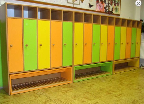 Barevný nábytek do mateřské školy, školky-dětské kuchyňky, skříňky