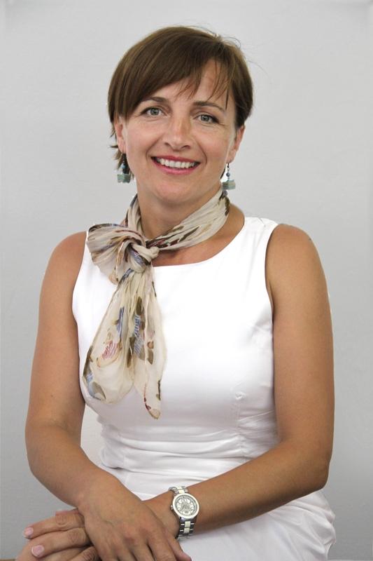 Ing. Karla Valčíková, realitní kancelář, makléř, reality, specialista na Luhačovice