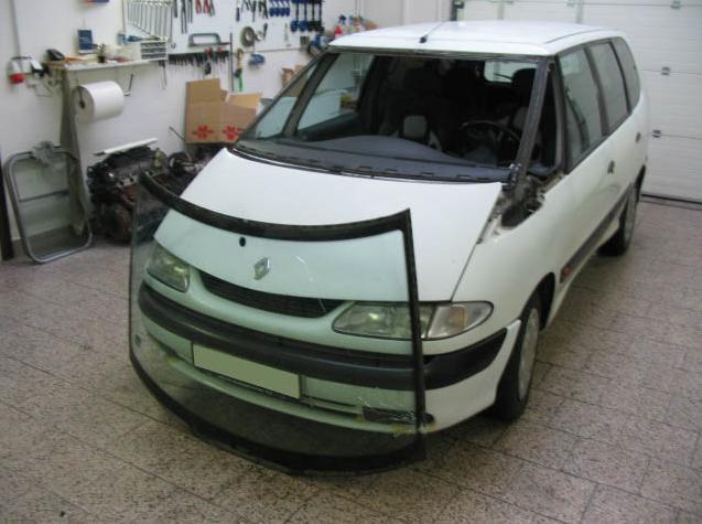 rychlá výměna předního skla u automobilu