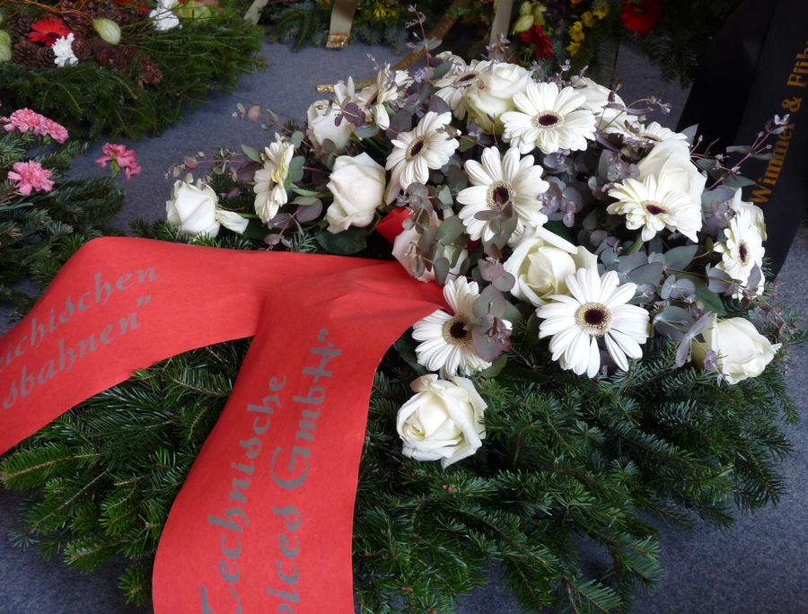 Smuteční květiny a vazby, pohřební služba Znojmo