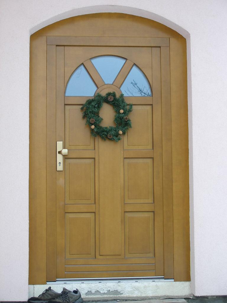 Dřevěné dveře - výroba, montáž Brno