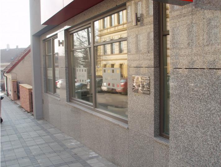 Kamenné obklady Uherský Brod-fasády, schody, desky, parapety